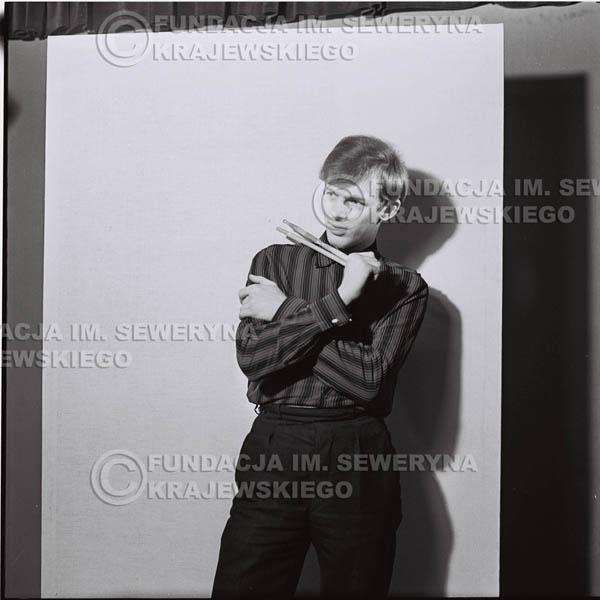 # 427 - Jerzy Skrzypczyk, sesja zdjęciowa do płyty pt: 'Czerwone Gitary 3', 1967r.