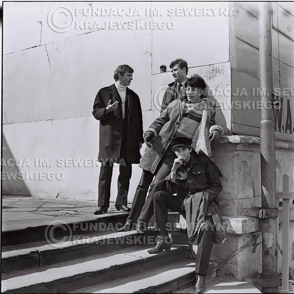 # 438 - Czerwone Gitary, 1967r. sesja w Sopocie (zdjęcia dla fanów do autografów)