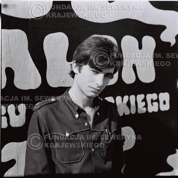 # 444 - Seweryn Krajewski, 1967r. sesja w Sopocie (zdjęcia dla fanów do autografów)
