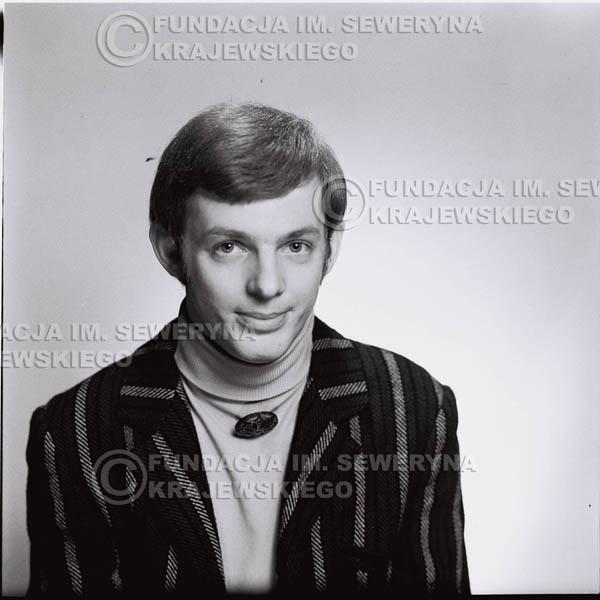 # 447 - Jerzy Skrzypczyk, sesja zdjęciowa do płyty pt: 'Czerwone Gitary 3', 1967r.