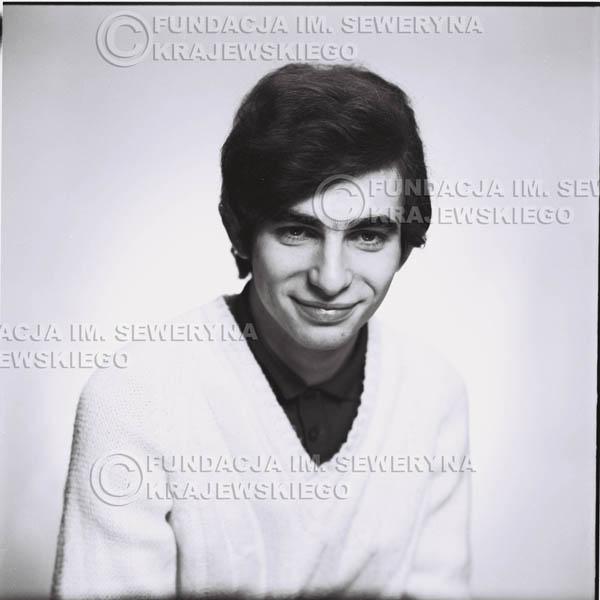 # 452 - Seweryn Krajewski, sesja zdjęciowa do płyty pt: 'Czerwone Gitary 3', 1967r.