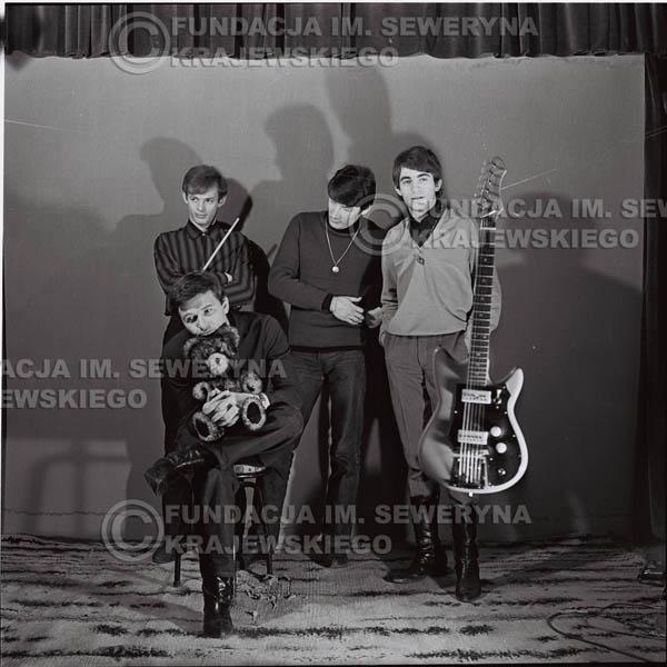 # 462 - Sesja zdjęciowa do okladki płyty pt: 'Czerwone Gitary 2' 1966r.