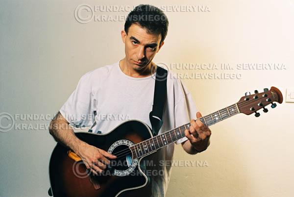 # 46 - Leszek Fidusiewicz. Sesja do okładki 'Strofki na gitarę (2)' - 1993 r.