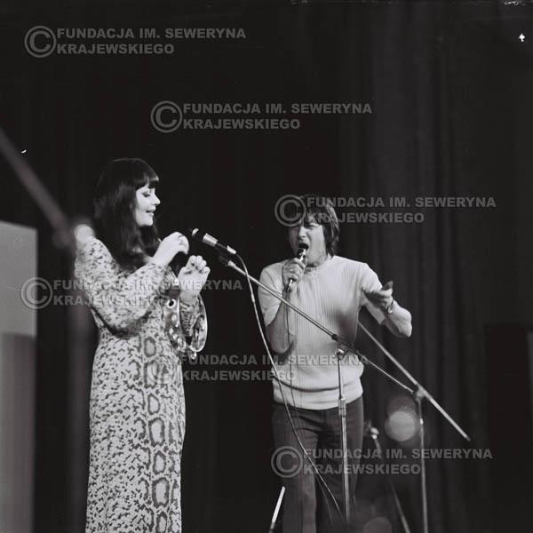 # 476 - Trasa koncertowa na dziesięciolecie Niebiesko - Czarnych, a jednocześnie ostatnia trasa koncertowa Krzysztofa Klenczona przed wyjazdem do USA pod hasłem 'Nie Przejdziemy do Historii'.1971r.