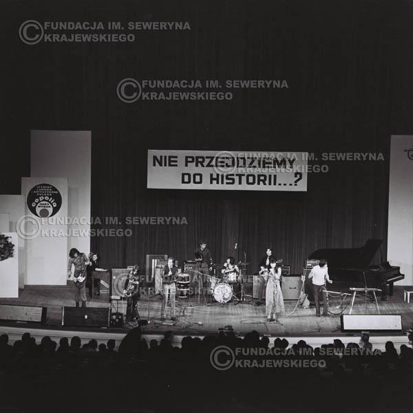# 479 - Trasa koncertowa na dziesięciolecie Niebiesko - Czarnych, a jednocześnie ostatnia trasa koncertowa Krzysztofa Klenczona przed wyjazdem do USA pod hasłem 'Nie Przejdziemy do Historii'.1971r.