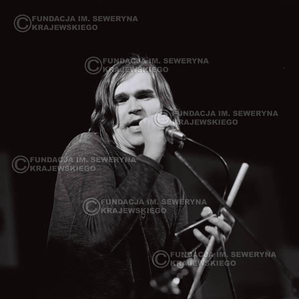 # 488 - Wojciech Korda - Trasa koncertowa na dziesięciolecie Niebiesko - Czarnych a jednocześnie ostatnia trasa koncertowa Krzysztofa Klenczona przed wyjazdem do USA pod hasłem 'Nie Przejdziemy do Historii'.1971r.