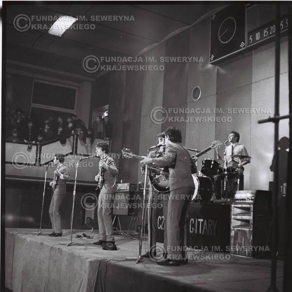 # 582 - 1966r. Koncert 'Czerwone Gitary' Łódź.