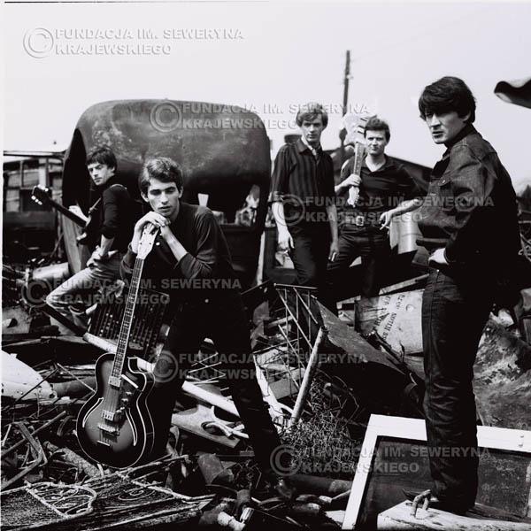 # 601 - 1966r. Czerwone Gitary, Łódź.  Zdjęcie z sesji do okładki pierwszego longpleya pod tytułem  'To Wlasnie My'.