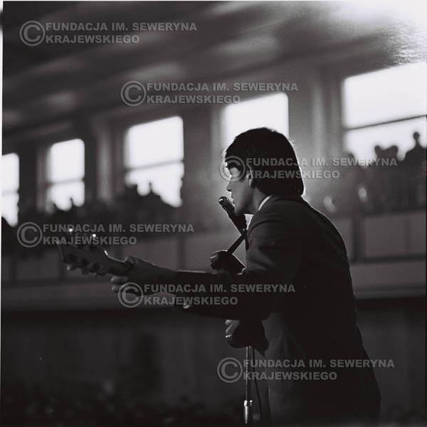 # 677 - 1966r. Hala Stoczni Gdańskiej