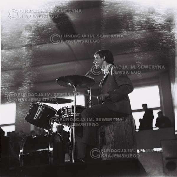 # 678 - 1966r. Hala Stoczni Gdańskiej