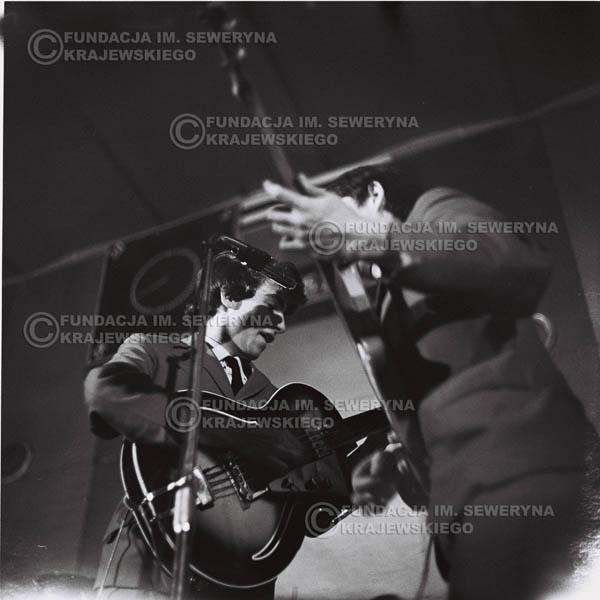 # 681 - 1966r. Hala Stoczni Gdańskiej