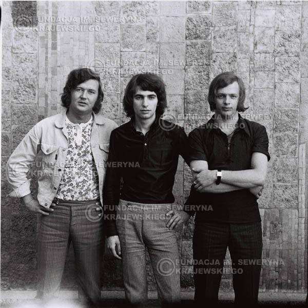 # 700 - 1970r. Czerwone Gitary w składzie: Seweryn Krajewski, Bernard Dornowski, Jerzy Skrzypczyk.