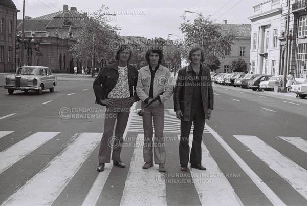 # 812 - 1970r. Warszawa, Czerwone Gitary w składzie: Seweryn Krajewski, Bernard Dornowski, Jerzy Skrzypczyk