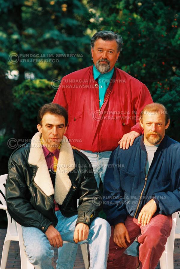 # 936 - 1991r. sesja zdjęciowa w Michalinie, Czerwone Gitary w składzie: Seweryn Krajewski, Bernard Dornowski, Jerzy Skrzypczyk