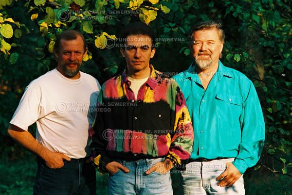 # 941 - 1991r. sesja zdjęciowa w Michalinie, Czerwone Gitary w składzie: Seweryn Krajewski, Jerzy Skrzypczyk, Bernard Dornowski.