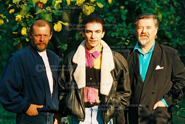 # 944 - 1991r. sesja zdjęciowa w Michalinie, Czerwone Gitary w składzie: Seweryn Krajewski, Jerzy Skrzypczyk, Bernard Dornowski.