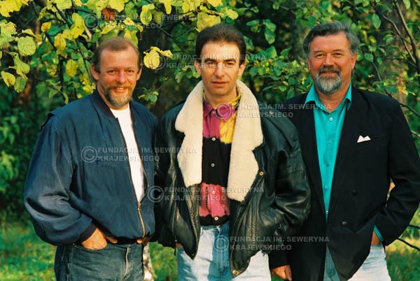 # 945 - 1991r. sesja zdjęciowa w Michalinie, Czerwone Gitary w składzie: Seweryn Krajewski, Jerzy Skrzypczyk, Bernard Dornowski.