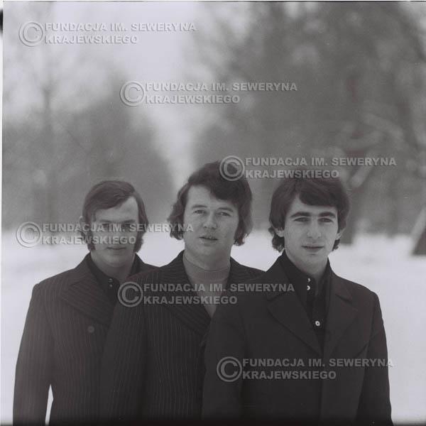 # 994 - zima 1970r. Czerwone Gitary w składzie: Seweryn Krajewski, Bernard Dornowski, Jerzy Skrzypczyk.