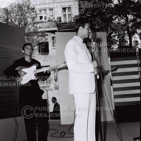 # 103 - Potańcówka, Non Stop w Sopocie 1965r., od lewej: Henryk Zomerski, Bernard Dornowski