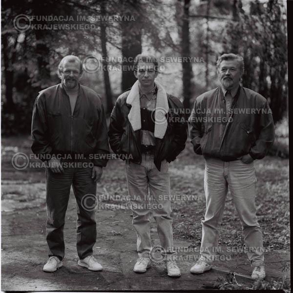 # 1090 - Czerwone Gitary w składzie: Seweryn Krajewski, Jerzy Skrzypczyk, Bernard Dornowski. 1991r. sesja zdjęciowa w Michalinie.