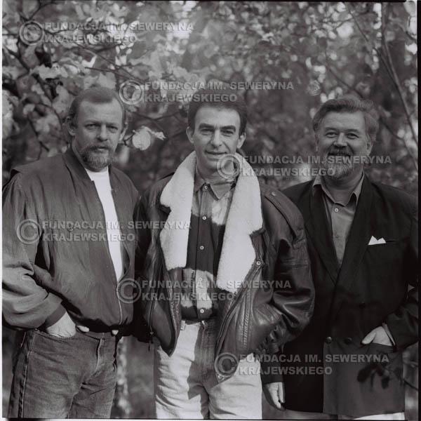 # 1095 - Czerwone Gitary w składzie: Seweryn Krajewski, Jerzy Skrzypczyk, Bernard Dornowski. 1991r. sesja zdjęciowa w Michalinie.