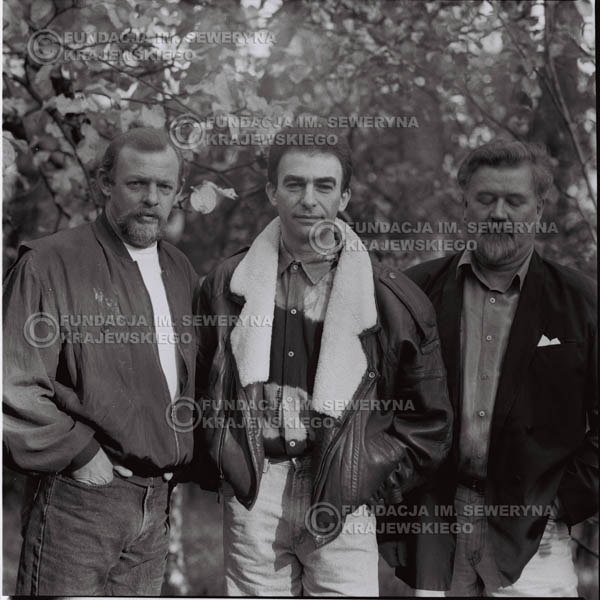 # 1096 - Czerwone Gitary w składzie: Seweryn Krajewski, Jerzy Skrzypczyk, Bernard Dornowski. 1991r. sesja zdjęciowa w Michalinie.