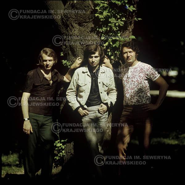 # 1104 - Czerwone Gitary 1970r. Jerzy Skrzypczyk, Seweryn Krajewski, Bernard Dornowski.