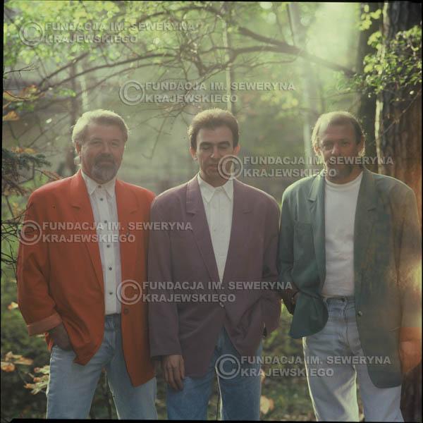 # 1206 - 1991r. sesja zdjęciowa w Michalinie, come back Czerwonych Gitar w składzie: Seweryn Krajewski, Bernard Dornowski, Jerzy Skrzypczyk.