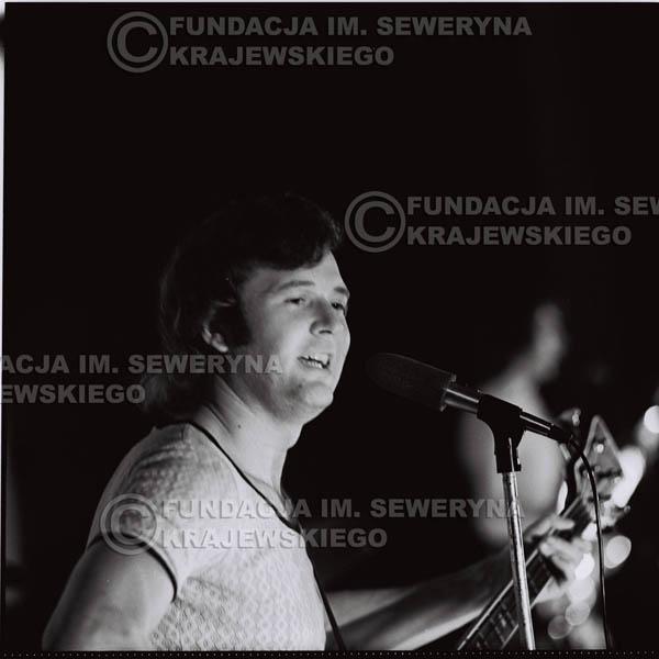 # 1254 - 1973r. Bernard Dornowski - koncert Czerwonych Gitar w Teatrze Polskim we Wrocławiu.