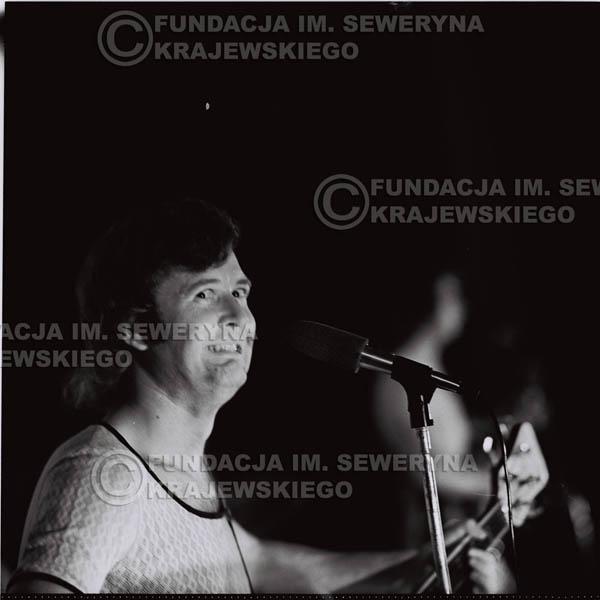 # 1256 - 1973r. Bernard Dornowski - koncert Czerwonych Gitar w Teatrze Polskim we Wrocławiu.