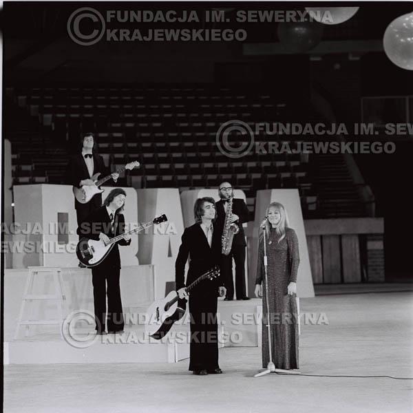 # 1261 - Seweryn Krajewski I Eva Pilarova - – 1975r. TV Katowice, program telewizyjny 'Studio Rondo' realizowany w katowickim Pałacu Młodzieży.