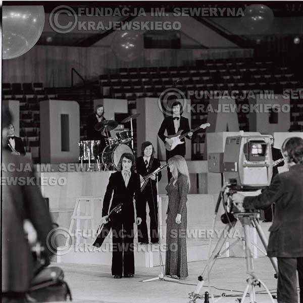 # 1263 - Seweryn Krajewski I Eva Pilarova - – 1975r. TV Katowice, program telewizyjny 'Studio Rondo' realizowany w katowickim Pałacu Młodzieży.