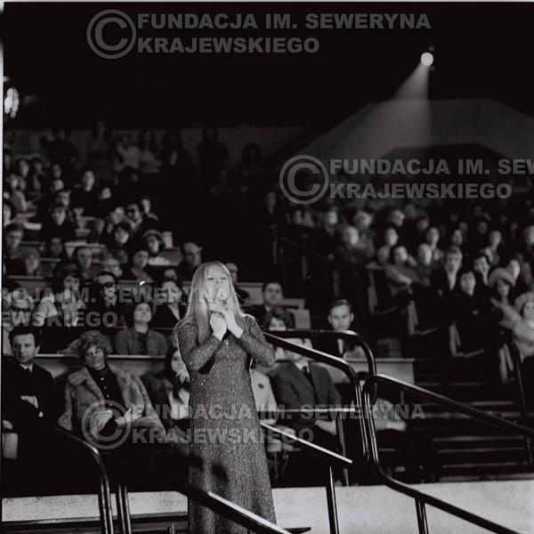 # 1267 - Eva Pilarova - 1975r. TV Katowice, program telewizyjny 'Studio Rondo' realizowany w katowickim Pałacu Młodzieży.