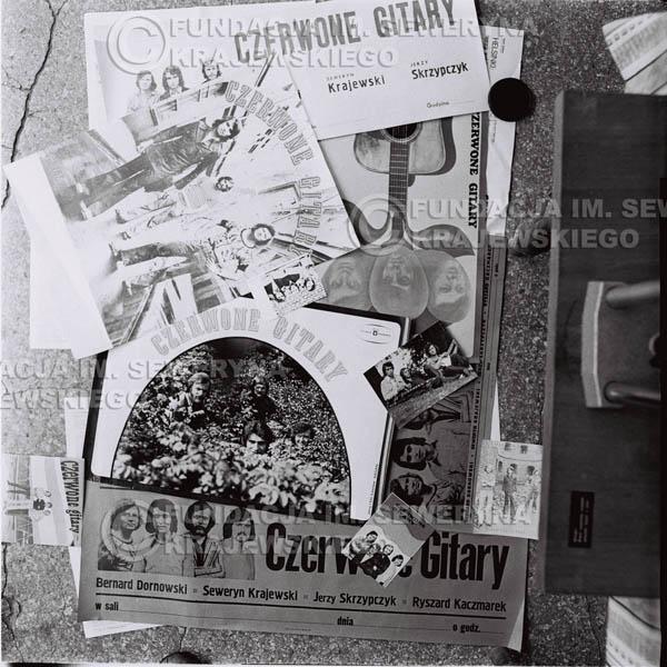 # 1353 - Afisze I plakaty Czerwonych Gitar