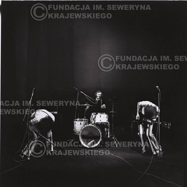 # 1437 - 1973r. koncert Czerwonych Gitar w Poznaniu w składzie: Bernard Dornowski, Seweryn Krajewski, Jerzy Skrzypczyk.