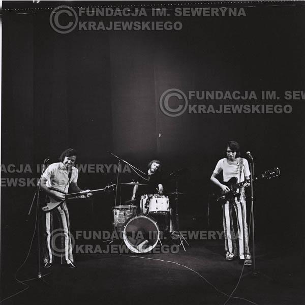 # 1438 - 1973r. koncert Czerwonych Gitar w Poznaniu w składzie: Bernard Dornowski, Seweryn Krajewski, Jerzy Skrzypczyk.