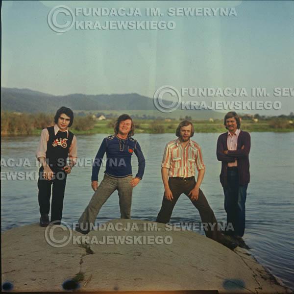# 1508 - 1974r. sesja zdjęciowa w Sanoku. Czerwone Gitary w składzie: Bernard Dornowski, Seweryn Krajewski, Ryszard Kaczmarek, Jerzy Skrzypczyk.
