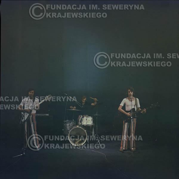 # 1517 - 1973r Koncert w Poznaniu Czerwone Gitary w składzie: Bernard Dornowski, Jerzy Skrzypczyk, Seweryn Krajewski.