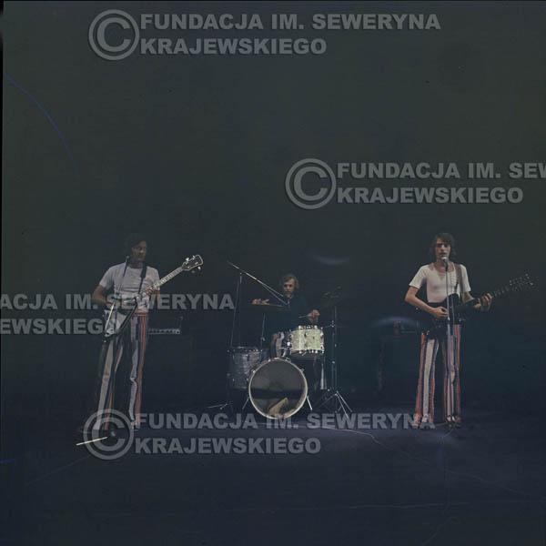 # 1519 - 1973r Koncert w Poznaniu Czerwone Gitary w składzie: Bernard Dornowski, Jerzy Skrzypczyk, Seweryn Krajewski.