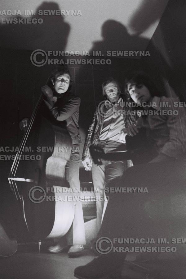 # 1552 - Seweryn Krajewski, Bernard Dornowski, Jerzy Skrzypczyk – 1974r. w małym domowym studio w mieszkaniu Seweryna Krajewskiego w Sopocie.