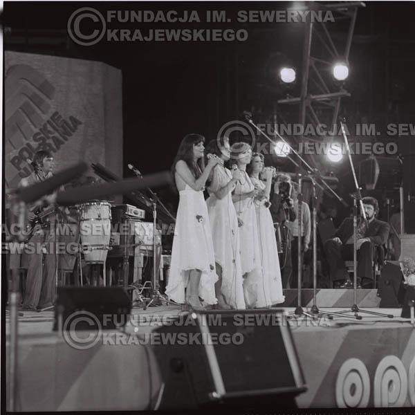 # 1592 - Zespół Pro Contra, 1976r. Krajowy Festiwal Piosenki Polskiej w Opolu.