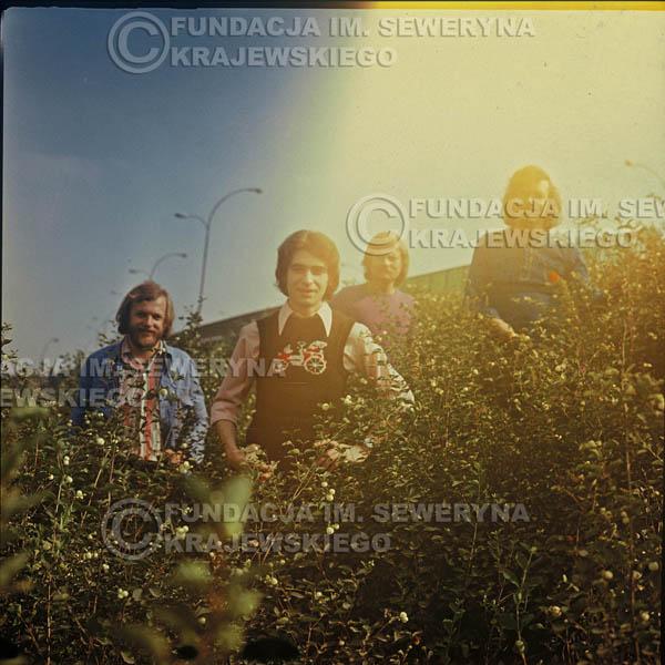 # 1624 - 1974r. sesja zdjęciowa w Sanoku. Czerwone Gitary w składzie: Seweryn Krajewski, Bernard Dornowski, Jerzy Skrzypczyk, Ryszard Kaczmarek.