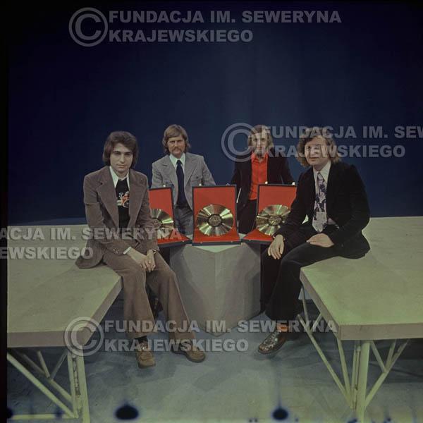 # 1633 - 1975 rok studio TV Katowice, Złota Płyta za za Longplay 'Spokój Serca' Seweryn Krajewski, Ryszard Kaczmarek , Jerzy Skrzypczyk, Bernard Dornowski