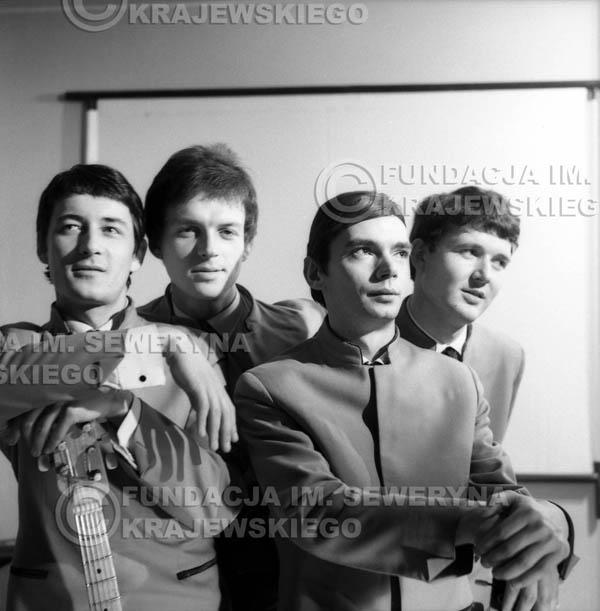 # 163 - Czerwone Gitary 1965r. od lewej: Krzysztof Klenczon, Jerzy Kosela, Henryk Zomerski, Bernard Dornowski