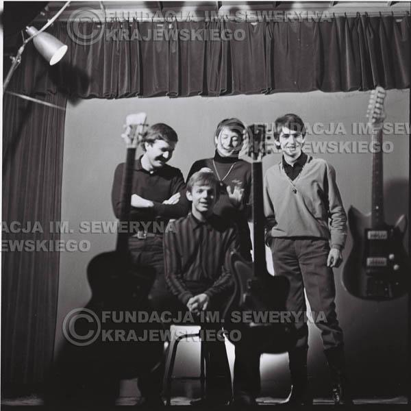 # 217 - Sesja zdjęciowa do okładki płyty pt: 'Czerwone Gitary 2' 1966r.
