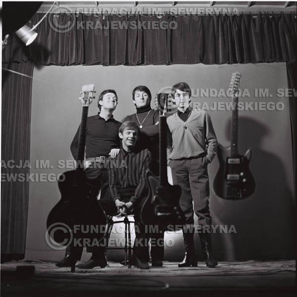 # 219 - Sesja zdjęciowa do okładki płyty pt: 'Czerwone Gitary 2' 1966r.