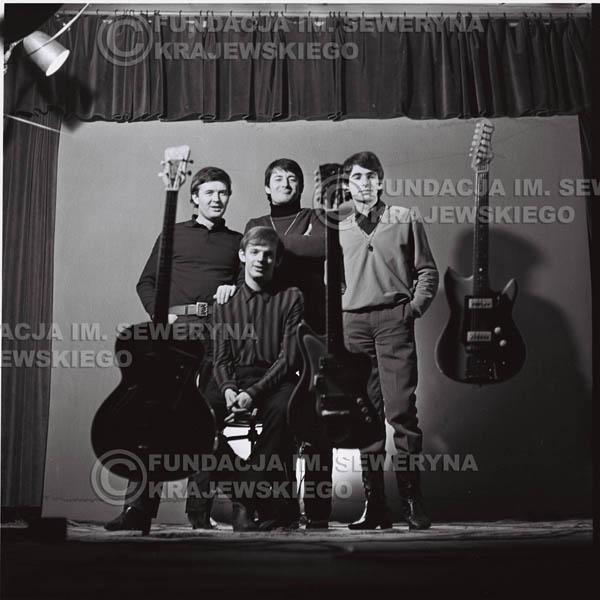 # 220 - Sesja zdjęciowa do okładki płyty pt: 'Czerwone Gitary 2' 1966r.