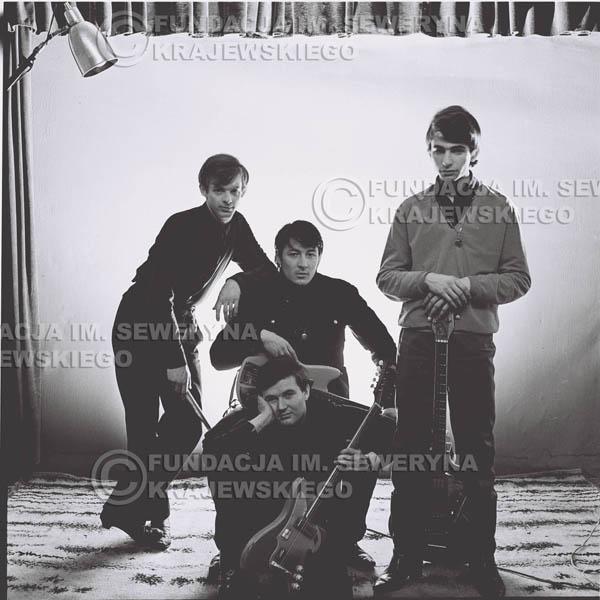 # 225 - Sesja zdjęciowa do okładki płyty pt: 'Czerwone Gitary 2' 1966r.