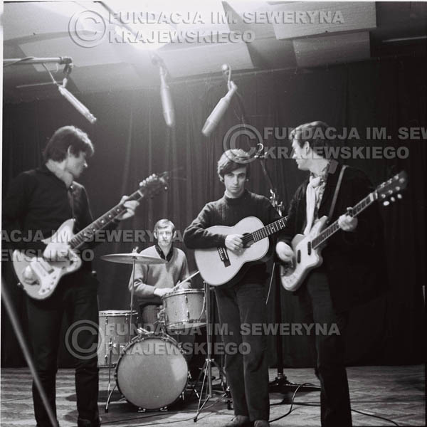 # 255 - 1967r. Czerwone Gitary próba mikrofonu klub 'Ster' w Gdańsku-Wrzeszczu