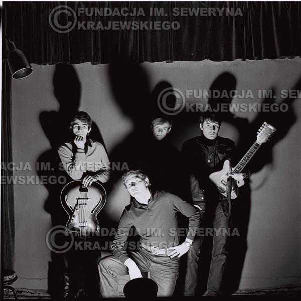 # 258 - 1966r. sesja zdjęciowa do płyty pt: 'Czerwone Gitary śpiewają kolędy'